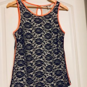 Banana Republic black lace/coral piping shell, sz2